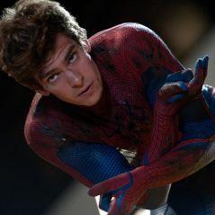 """Ex-""""Homem-Aranha"""", Andrew Garfield volta a se vestir como o herói em programa de TV!"""