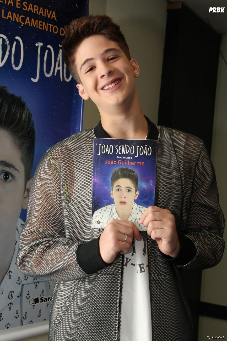 f3b7633c3d9d7 João Guilherme lançou seu primeiro livro