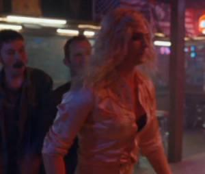 """Andrew Garfield apanha no vídeo de """"We Exist"""" do Arcade Fire"""