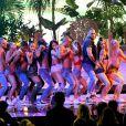 """American Music Awards 2016: Ariana Grandee Nicki Minaj fazem trenzinho em performance de""""Side To Side"""""""