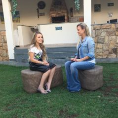 """Larissa Manoela, de """"Cúmplices de um Resgate"""", abre sua casa para o programa da Eliana no SBT!"""