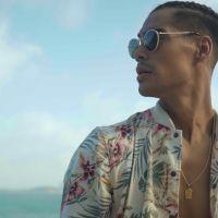 """Micael Borges, o MIKA, vive romance e exibe cenas incríveis do Vidigal no clipe """"Quero Seu Amor"""""""