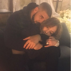 """Drake e Jennifer Lopez aparecem em clima romântico e fãs reagem no Twitter: """"Shippo super"""""""