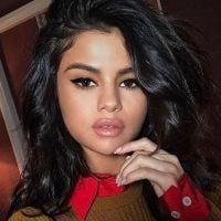 """Selena Gomez desabafa sobre sua influência com os jovens: """"Faria tudo para dar um bom exemplo!"""""""