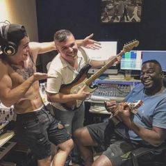 """Biel entra em estúdio para gravar nova música e deixa fãs animados com a novidade: """"Só Vem!"""""""