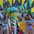 "Logo após ""Aquarela do Brasil"", Jennifer Lopez, Pitbull e Olodum se juntam à Claudia Leitte para cantar ""We Are One"""