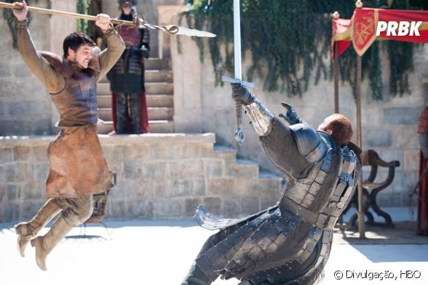 """Em """"Game of Thrones"""", a luta entre Oberyn (Pedro Pascal) e Montanha (Hafthor Julius Bjornsson) foi incrível!"""