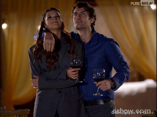 """Nos próximos capítulos de """"Em Família"""", Luiza (Bruna Marquezine) e Laerte (Gabriel Braga Nunes) vão enfrentar muitos problemas!"""