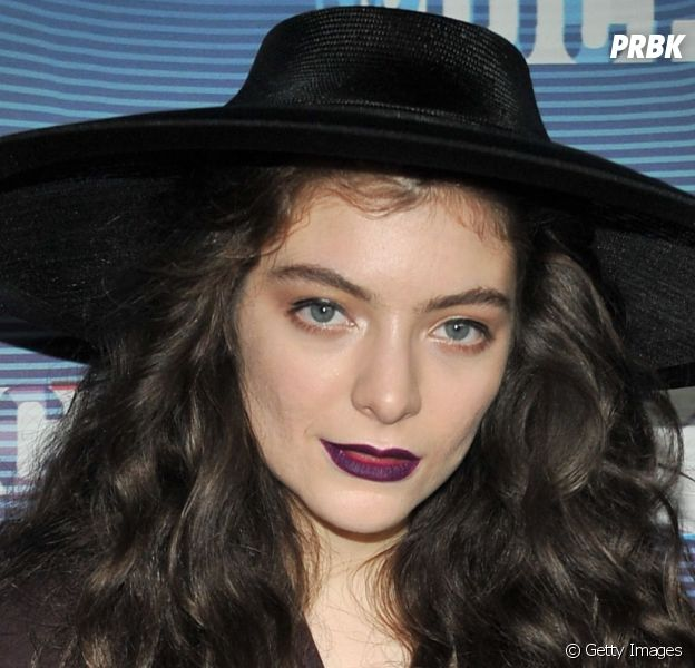 "Lorde se apresentou no ""Much Music Awards 2014"""