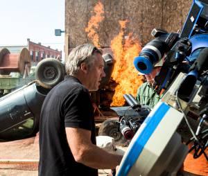 """Diretor Wally Pfister em set de filmagem de """"Transcendence - A Revolução"""""""