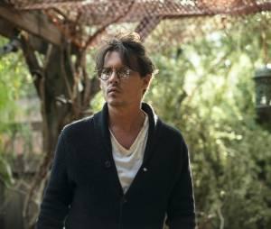 """Em """"Transcendence - A Revolução"""", Johnny Depp vive um cientista controverso que tem a consciência implantada num supercomputador"""