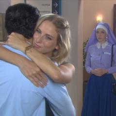 """Novela """"Carinha de Anjo"""": Cecília (Bia Arantes) flagra Gustavo e Nicole se abraçando!"""