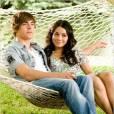 """Troy (Zac Efron) e Gabriella (Vanessa Hudgens) em """"High School Musical 3 - Ano da Formatura""""!"""