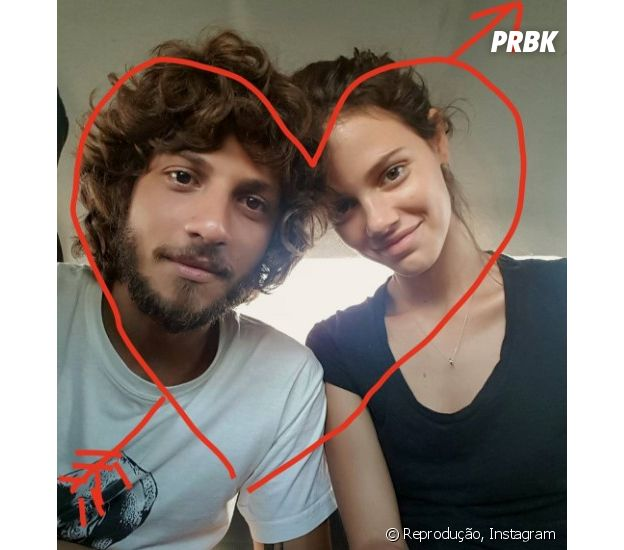 Chay Suede e Laura Neiva são os noivinhos mais lindos do momento!