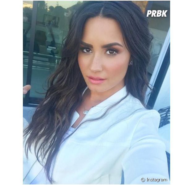 Demi Lovato revela que irá lançar música nova na próxima sexta-feira (16)