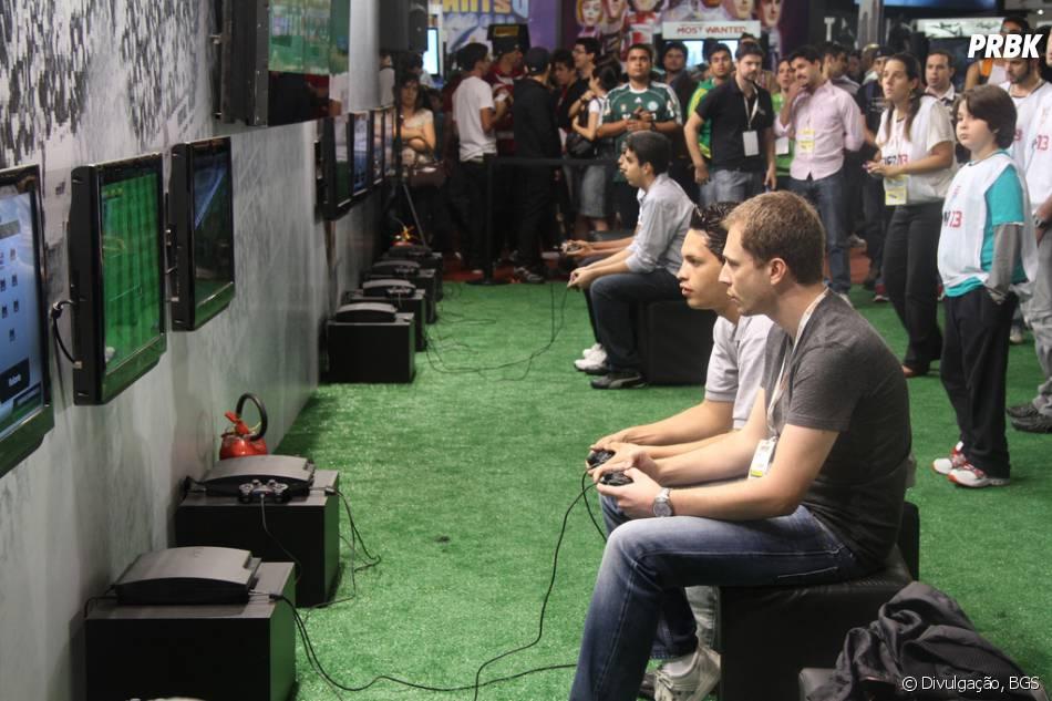 Em 2012, o apresentador Thiago Leifert promovou o jogo PES 2013