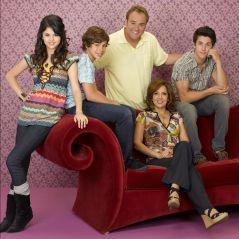 """Selena Gomez em """"Os Feiticeiros de Waverly Place""""? Ator da série revela que deseja fazer reunião!"""