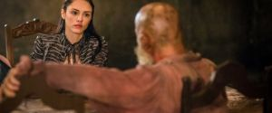"""Novela """"Novo Mundo"""": Anna (Isabelle Drumond) descobre a verdade sobre o pai!"""