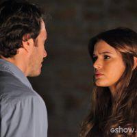"""Final de """"Em Família"""": Helena atira em Laerte para proteger Luiza!"""