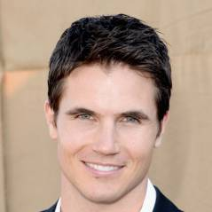 "De ""The Tomorrow People"", Robbie Amell se junta ao time de ""The Flash"""