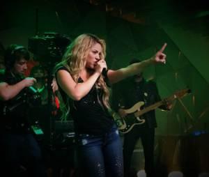 """Shakira cantou seus sucessos no """"Fantástico"""""""