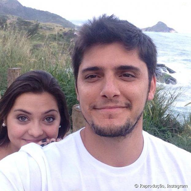 """Na história de """"Em Família"""", André (Bruno Gissoni) e Bárbara (Polliana Aleixo) ficarão noivos!"""