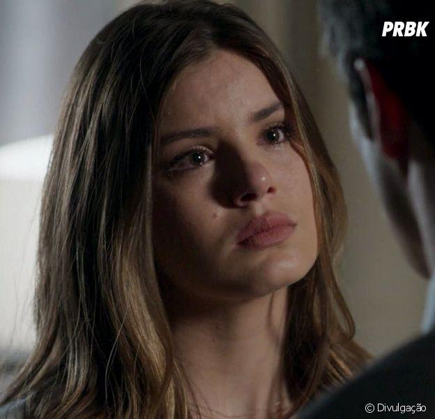 """De """"Pega Pega"""": Luiza (Camila Queiroz) descobre segredo de Eric (Mateus Solano)"""