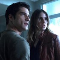 """Final """"Teen Wolf"""": 6ª temporada acaba com morte de vilão e pulo temporal!"""