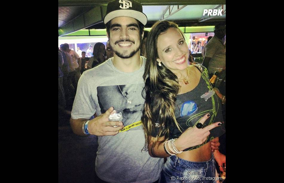 Caio Castro beijou a dj Angelis Borges, durante as apresentações do Rock in Rio. Apesar do fato, eles se dizem apenas amigos