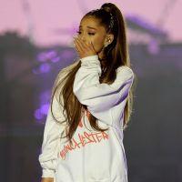 """Ariana Grande se emociona lembrando de atentado em Manchester: """"Traumatizante"""""""