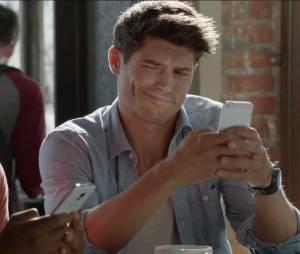 Samsung tira onda com a Apple por produzir celulares com telas gigantes há muito tempo