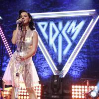 """Katy Perry dá festa para lançar """"Prism"""" e canta novo single """"Unconditionally"""". Veja show completo!"""
