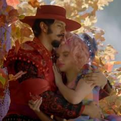 """Final de """"Meu Pedacinho de Chão"""": Juliana e Zelão se beijam e ficam juntos"""
