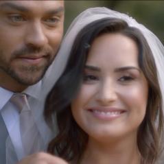 """Demi Lovato se casa com ator de """"Grey's Anatomy"""" no clipe de """"Tell Me You Love Me"""". Assista!"""