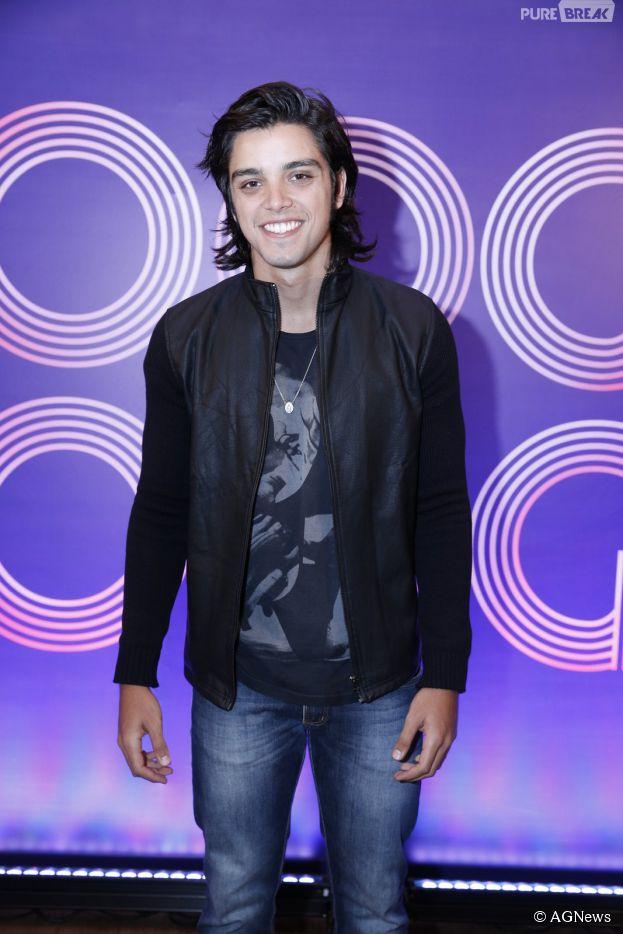 """Rodrigo Simas está com aplique no cabelo para viver personagem de """"Boogie Oogie"""""""