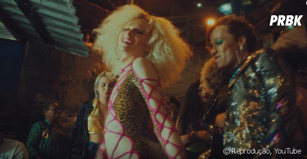 """Anitta convidou drag queens para o clipe """"Vai Malandra"""""""