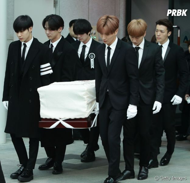 Fotos do funeral de Jonghyun, integrante do grupo de k-pop SHINee