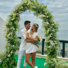 Arthur Aguiar e Mayra Cardi se casam em segredo no Rio e chocam fãs. Veja fotos!