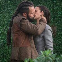 """Novela """"Deus Salve o Rei"""": Catarina (Bruna Marquezine) e Constantino se unem contra marquês"""