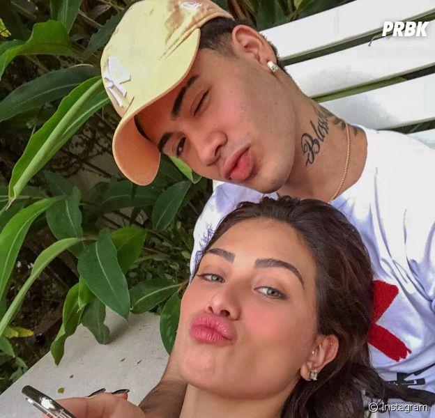 Flavia Pavanelli e MC Kevinho trocam alianças no aniversário de um mês do casal!