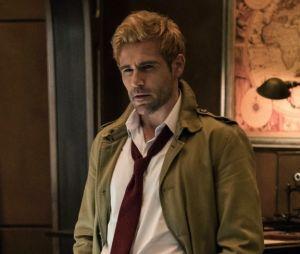 """Em """"Legends of Tomorrow"""", Constantine (Matt Ryan) faz exorcismo difícil em novo trailer"""
