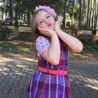 """Lorena Queiroz, a Dulce Maria de """"Carinha de Anjo"""", faz 7 anos e comemora: """"O sorriso já diz tudo"""""""