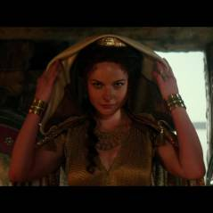 "Em vídeo exclusivo de ""Hércules"", The Rock apresenta atriz Rebecca Ferguson"