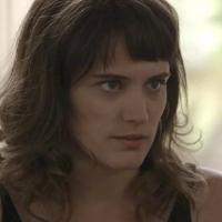 """Novela """"O Outro Lado do Paraíso"""": Clara (Bianca Bin) planeja vingança misteriosa contra Sophia"""