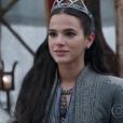 """Em """"Deus Salve o Rei"""", Catarina (Bruna Marquezine) confessa que gostaria de ver Afonso (Romulo Estrela) no trono de Montemor"""
