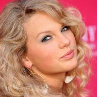 """Taylor Swift de volta pro country? Confira """"Babe"""", parceria da cantora com a dupla Sugarland"""