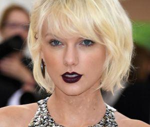 """Taylor Swift mata saudade de sua época country com música """"Babe"""", parceria com a dupla Sugarland"""