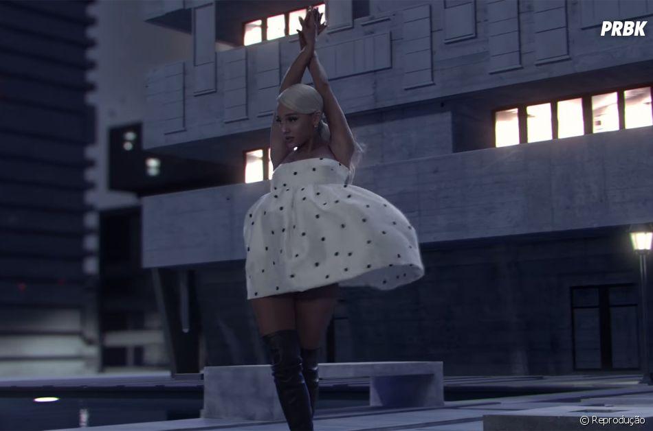 """Ariana Grande vai ao """"The Tonight Show"""" apresentar seu mais novo single, """"No Tears Left To Cry"""""""