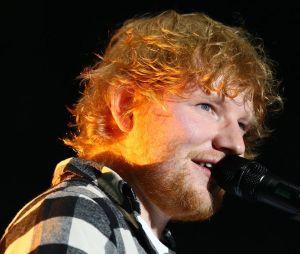 Ed Sheeran é um boneco sofrendo por amor em seu novo clipe