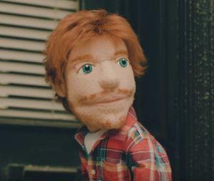 """Ed Sheeran aparece mais uma vez como boneco no clipe de """"Happier"""""""
